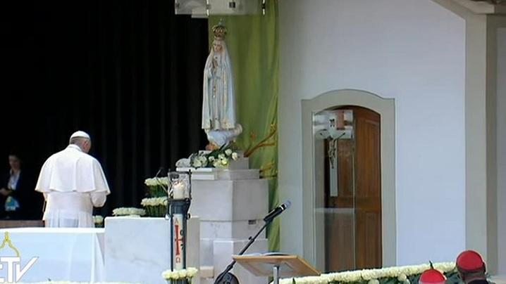 Fatima. Rugăciunea papei Francisc în Capela aparițiilor