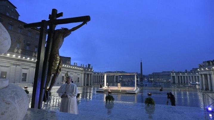 Pandemie. Papa Francisc: Să ne lăsăm contagiaţi de dragoste, nu de virus