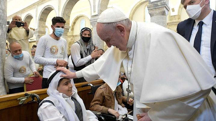 Mângâierea papei Francisc adusă creştinilor din Irak