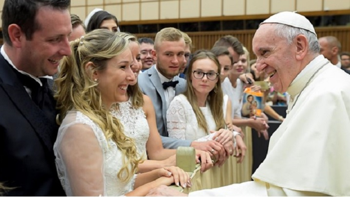 Cele 10 sfaturi date de Papa Francisc pentru o viaţă mai fericită