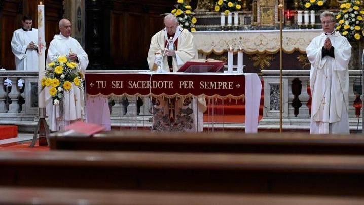 """Papa Francisc, creștinilor orientali: """"Cristos a înviat!"""""""