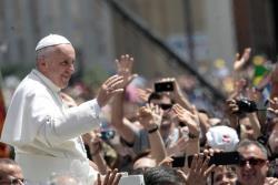 Papa Francisc va termina enciclica începută de Benedict al XVI-lea