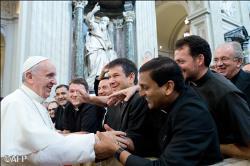 """""""Chiar dacă sunt Papă, mă simt şi acum preot"""""""