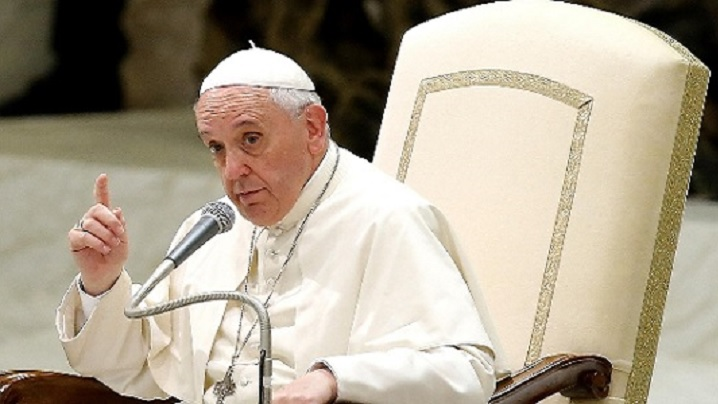 Papa Francisc ia apărarea ROMILOR și le dă sfaturi. Ce le-a transmis Suveranul Pontif
