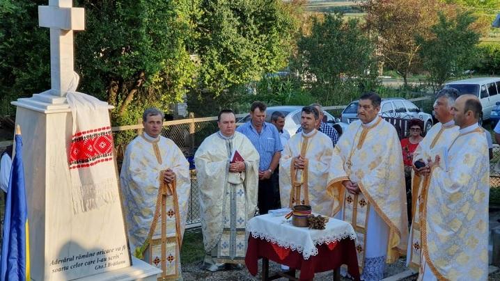 Foto: Sfințire de monument dedicat Fericiților Episcopi martiri