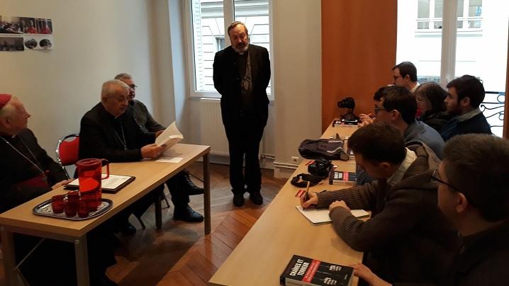 FOTO: Cartea-document a unui episcop greco-catolic, victimă a regimului comunist din România, prezentată la Paris
