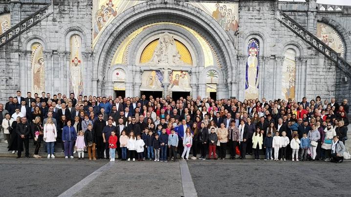 FOTO: Pelerinajul credincioșilor greco-catolici români de la Paris la Lourdes