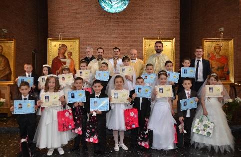 Prima Împărtăşanie solemnă la Misiunea Greco-Catolică din Paris