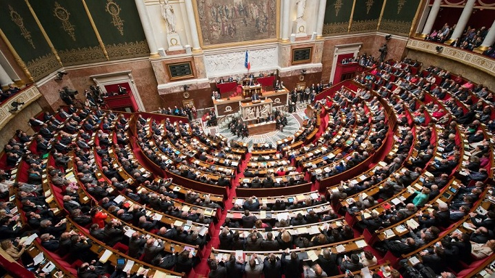 """Senatul francez. Legea care definește delictul de """"obstrucție a accesului la avort"""" – periculoasă pentru libertatea de exprimare în chestiuni pro-viață"""