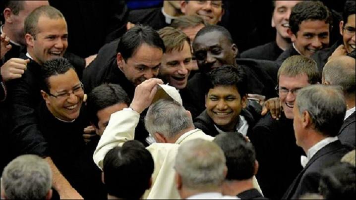 Papa Francisc i-a întâlnit pe studenții colegiilor pontificale romane