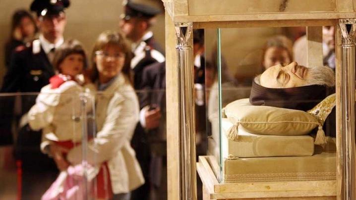 Moaștele Sfântului Padre Pio vor fi expuse în Bazilica Sfântul Petru din Vatican