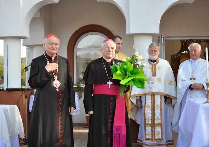 Foto: Vizita PF Cardinal Lucian Mureșan în Eparhia de Lugoj. Sfințirea Sanctuarului Marian de la Scăiuș