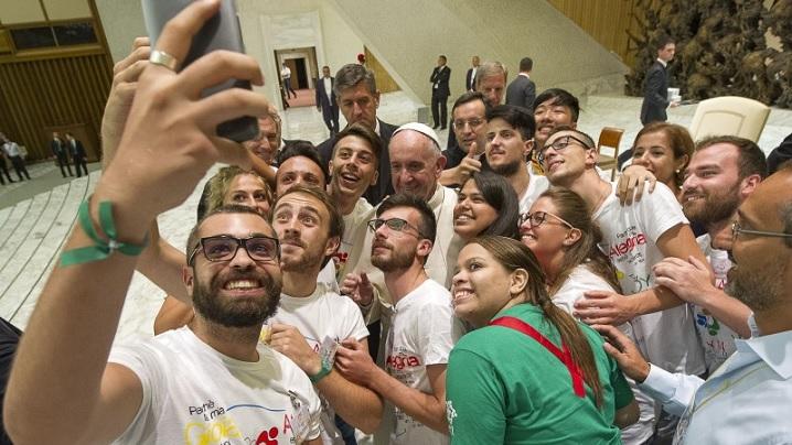 ANUNȚ: Vaticanul selectează on-line artiști pentru Jubileul Milostivirii