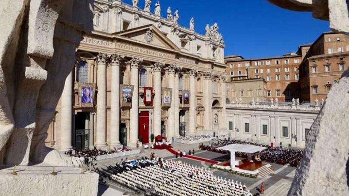Vatican. Papa a proclamat 35 de noi Sfinți