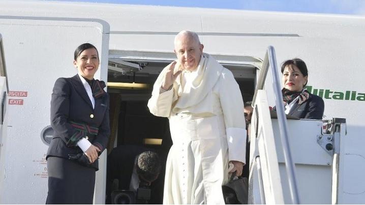 Papa Francisc a început o vizită de trei zile în Emiratele Arabe Unite