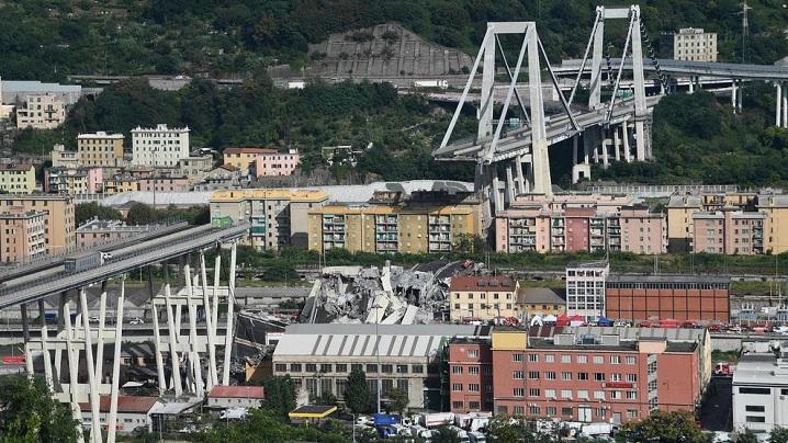 Rugăciunea Papei Francisc pentru victimele tragediei de la Genova
