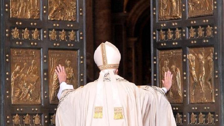 LIVE: închiderea Porții Sfinte a Bazilicii Sfântul Petru