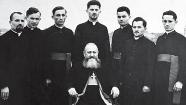 """Pr. Alexandru Rațiu, autorul lucrării """"Biserica furată"""""""