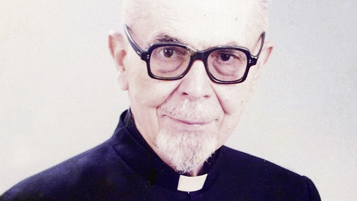 Preotul român care i-a sfidat pe Hitler și pe Stalin