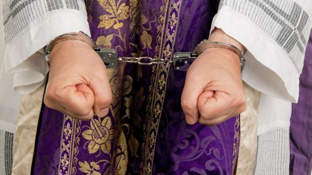 """Preoţii care celebrează în bazele militare americane în timpul faimosul """"shutdown"""", ar putea fi arestaţi"""