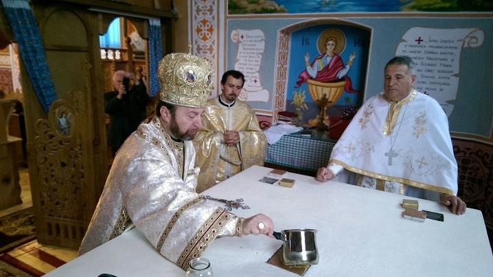 FOTO: Sfințirea bisericii din Ibănești