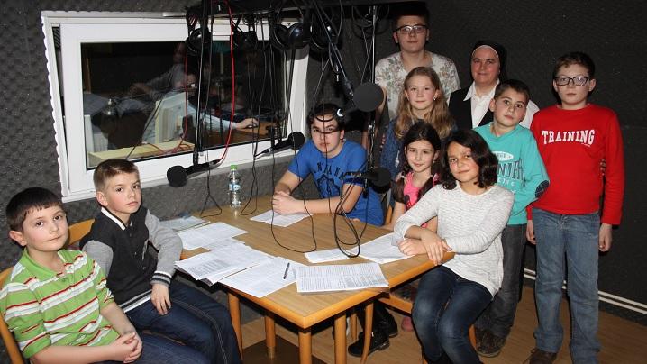 ANUNȚ: CALEA CRUCII A MILOSTIVIRII recitată de copii, la Radio Blaj