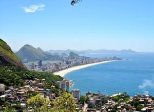 Rio: orașul zgârie noriilor şi a cartierelor sărăciei extreme