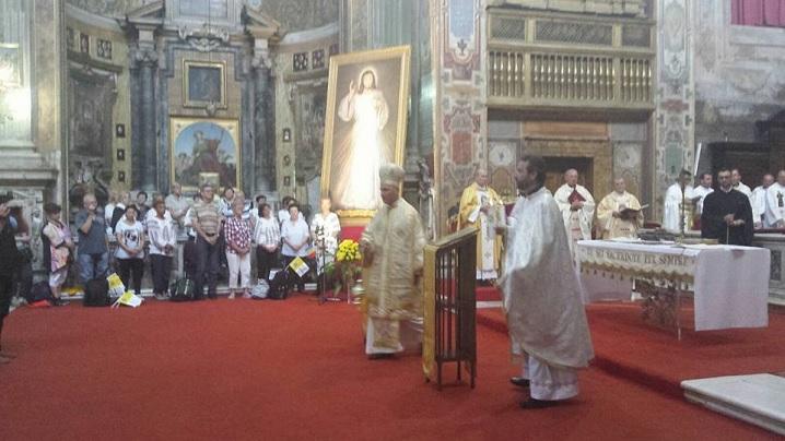"""FOTO: Pelerinajul național la Roma. Liturghia Bizantină celebrată în bazilica """"Santo Spirito"""""""