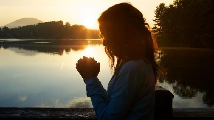 5 rugăciuni scurte pentru diminuarea stresului și pace sufletească