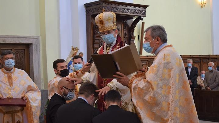 FOTO: Sărbătoarea Rusaliilor în Catedrala Blajului