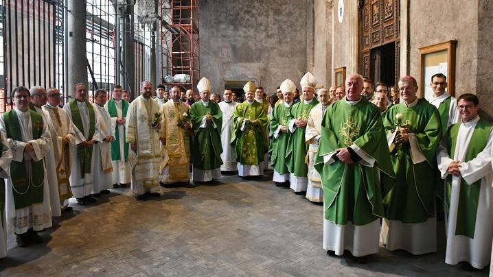 FOTO: Sfânta Liturghie celebrată de episcopii români în Bazilica San Vitale din Roma
