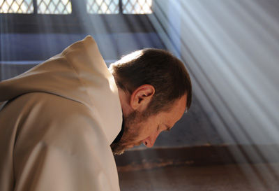 Sărăcia preotului înrădăcinată puternic în Evanghelie