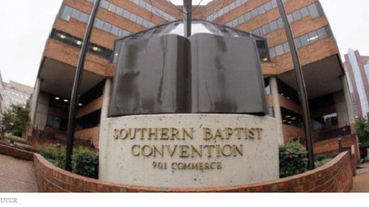 """Sute de abuzuri în Biserica Baptistă din America: mitul """"celibat egal pedofilie"""" este fals"""