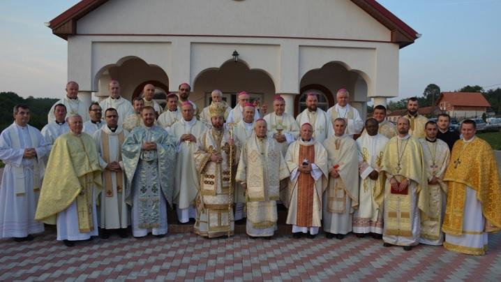 FOTO: Episcopii catolici din România la Scăiuş