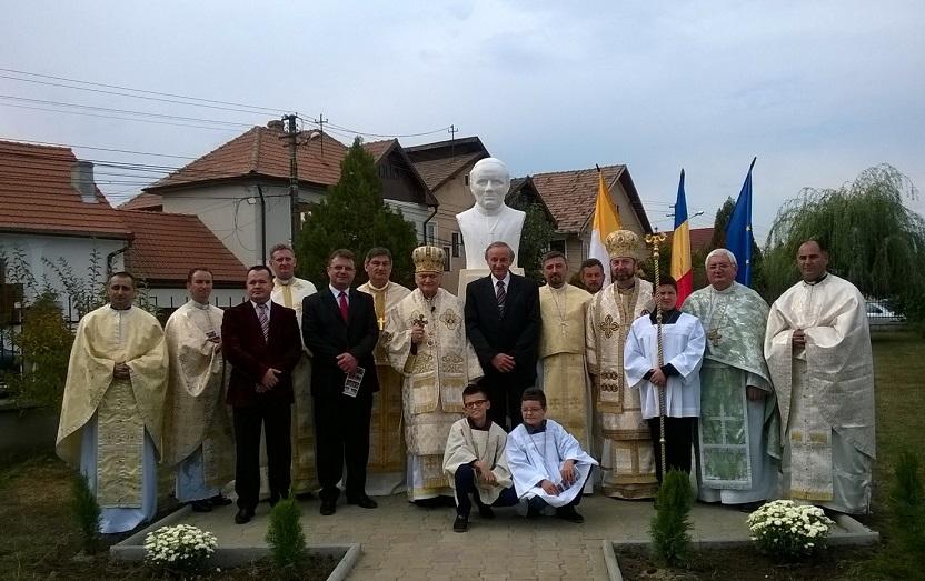 FOTO: Sfinţirea bustului Cardinalului Alexandru Todea la Sebeş
