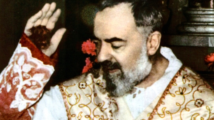 Padre Pio se întoarce la Pietrelcina