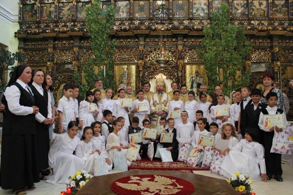FOTO: Hramul Catedralei Arhiepiscopale Majore din Blaj şi prima Sfântă Împărtăşanie