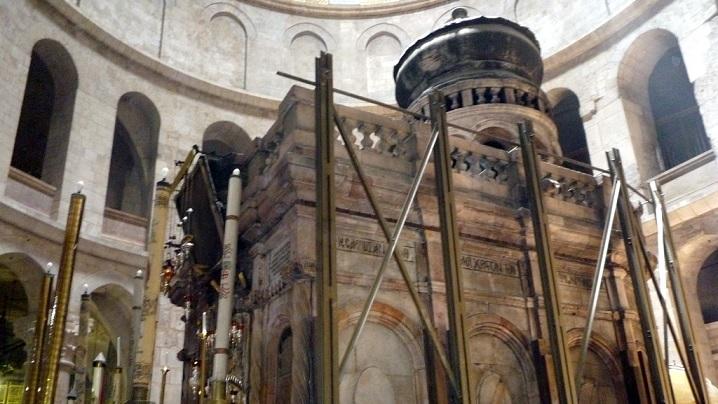 Încep lucrările de restaurare a Sfântului Mormânt