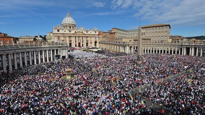 Procesul de canonizare (ridicare la cinstea altarelor) în Biserica Catolică