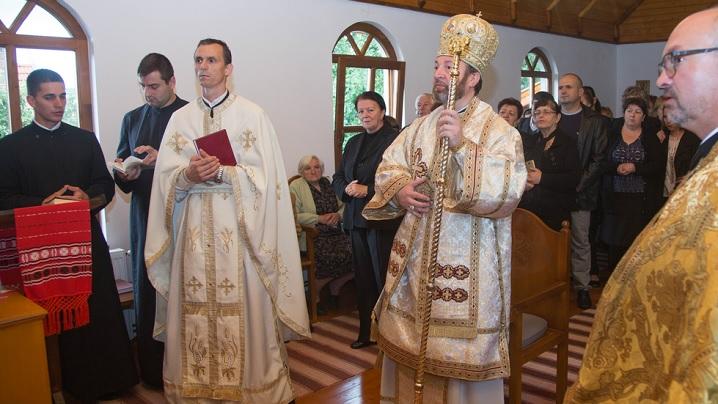 FOTO: Sfințirea bisericii greco-catolice din Subcetate