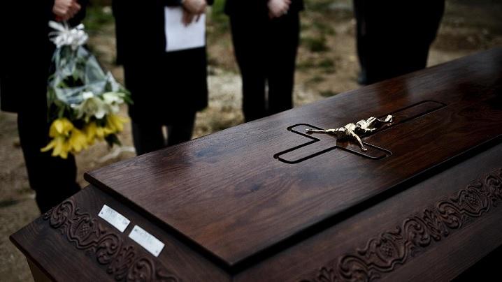 Despre înmormântare și incinerare