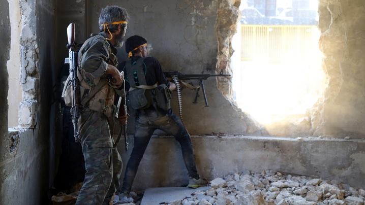 """Agonia lentă a Alepului unde """"comercianţii războiului... îl distrug pe om"""""""