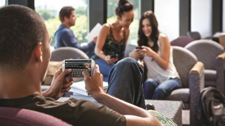Noile boli digitale, adevărate dependenţe de Internet şi social