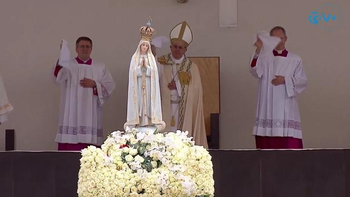 Întoarcerea acasă a statuii Maicii Domnului de la Fatima