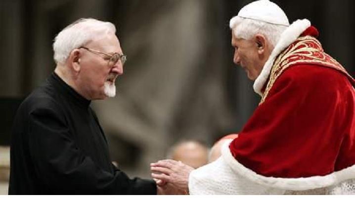 A murit Părintele Kolvenbach, fost Superior General al ordinului iezuit