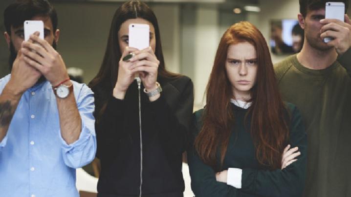 Telefoanele inteligente: o minune sau o pacoste