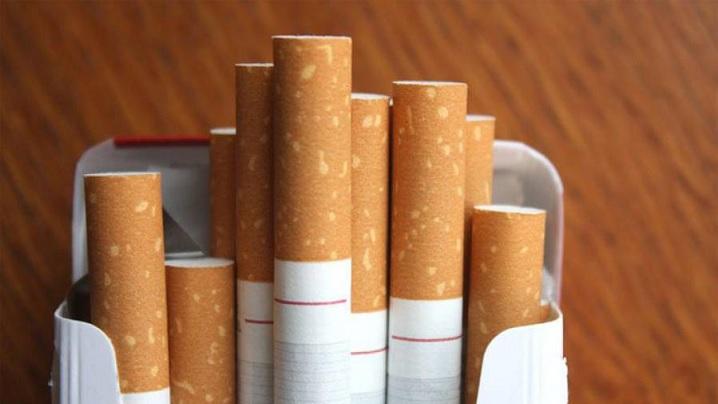Papa Francisc interzice vânzarea țigărilor în Vatican