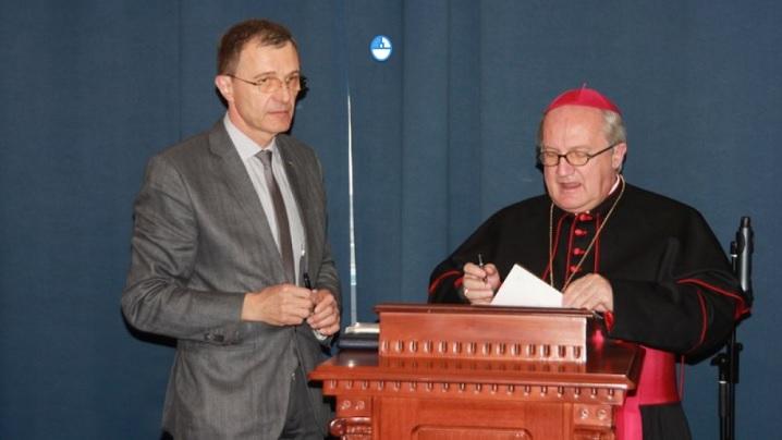 Acord istoric între Universitatea Papei şi UBB