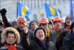Ucraina: Arhiepiscopul Şevciuk s-a întâlnit cu preşedintele Yanukovych pentru a media între guvern şi manifestanţi