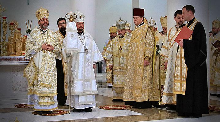 """""""Am fost uciși și răstigniți de multe ori, dar rădăcinile noastre sunt vii"""". Duminică a fost consacrat cel mai tânăr episcop catolic din lume"""